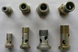 Pipe fitting bolts